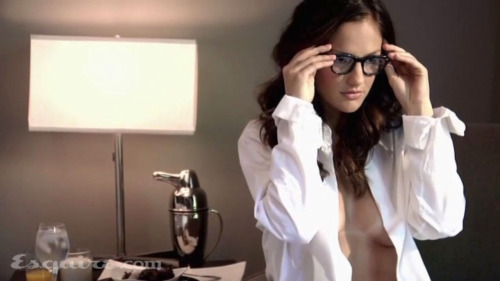 pussylequeer:  Minka Kelly photographed by Yu Tsai