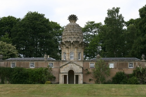 "discutant:  The Dunmore Pineapple, ""the most bizarre building in Scotland.""  Thought to have been designed by Sir William Chambers for the 4th Earl of Dunmore, sometime in the 1760s. Photo by giannandrea via Wikimedia Commons."