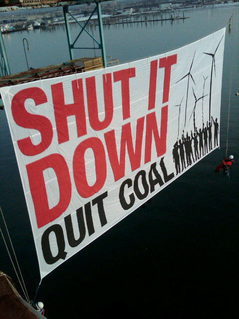 saveplanetearth:  Activists Unfurl Banner from Bridgeport, CT Coal Plant @ Greenpeace USA