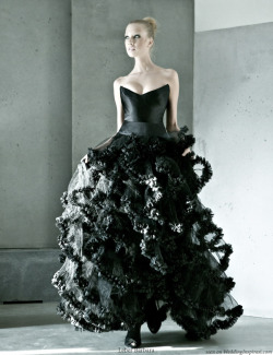 Midnight Black Wedding Dress | Wedding Inspirasi