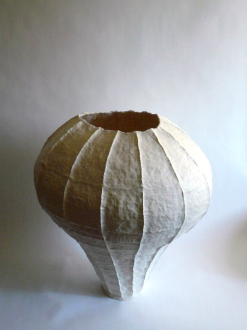 Young Mi Kim: Ceramic Vessel #1