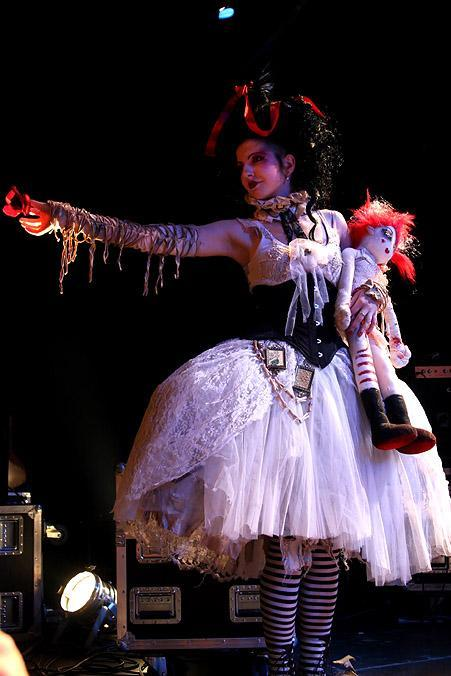 gothiccharmschool:  Vecona on stage. Look at that skirt!