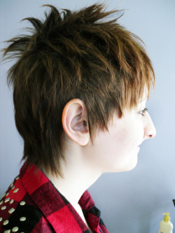 This is a haircut I did on my friend at work. Model: Carrie