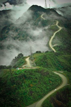 seeartend:    Way to Heaven - Road to Tembagapura, Papua, Indonesia. Photo taken from : AGUTE Anak Gunung Tembagapura - Pages