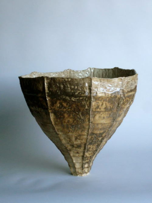 Young Mi Kim: Ceramic Vessel #6