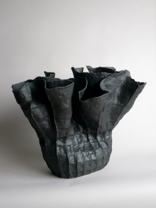 Young Mi Kim: Ceramic Vessel #10