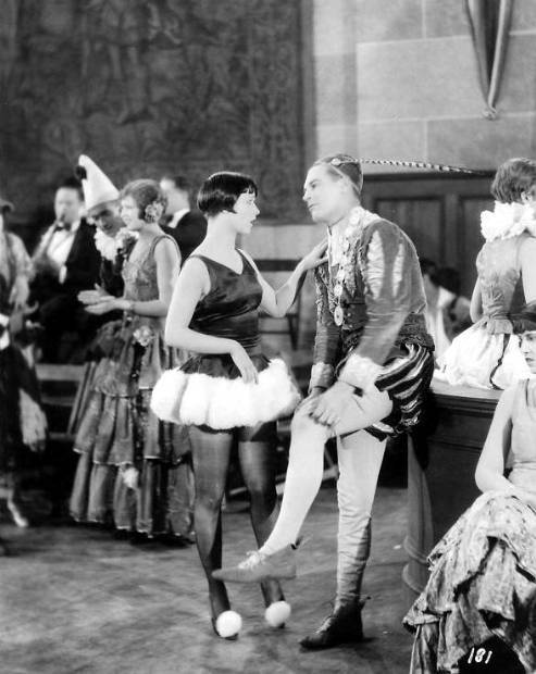 defrag:  Louise Brooks and Lawrence Gray in Love 'Em and Leave 'Em, directed by Frank Tuttle, 1926 : acertaincinema.com