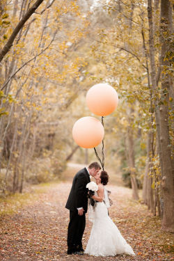 weddingwhimsy:  Pretty Ontario Wedding via {Stylemepretty}