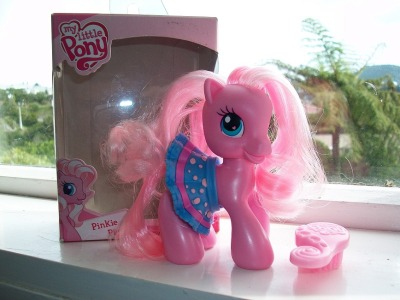 My flatmates got me a pony for my birthday. Yes, you're right, I do have the best flatmates ever. SO PINK. Her name is Pinkie Pie.