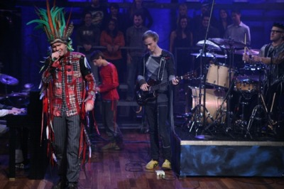 "Jónsi performs ""Sticks and Stones"" Live on Jimmy Fallon"
