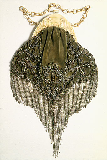 omgthatdress:  Bag ca. 1920-1925 via Manchester City Galleries
