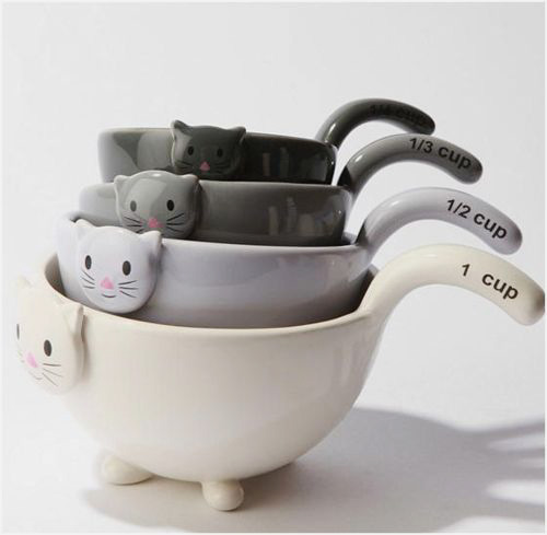 These are the cutest! I love measuring spoons, cups etc :)