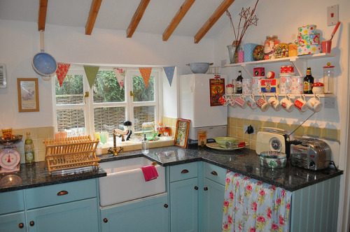Gorgeous Kitchen Inspiration Cottage Kitchen (by Helen)