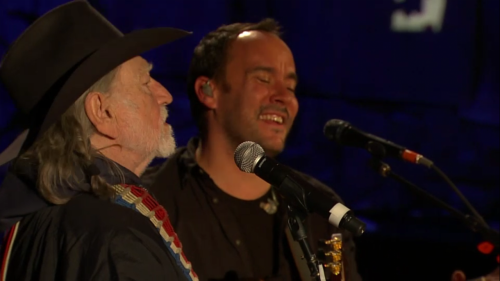 jemappellejimbo:  Willie Nelson & Dave Matthews - Farm Aid 2010  For those of you who don't already know about Dave's involvement with Farm Aid - or Farm Aid itself - I really encourage you checking out what it's about at their website!