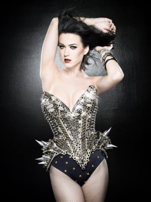 fuckyeah-katyperry:   Above: Katy and her marvelous spiky armored suit as well as a model sporting it. Submitted by xyheat