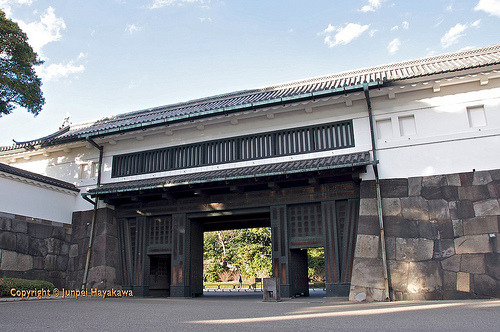 Former Edo Castle, now the Imperial Palace in Tōkyō.  Flickr: http://flic.kr/p/8y3R4Q