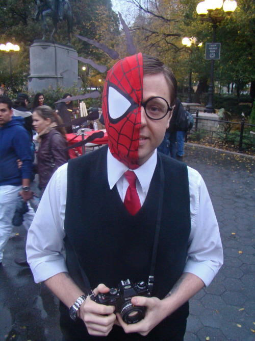 Spider Sense Peter Parker Cosplay at MarvelFest NYC 2009. Photo by istolethetv. (Source)