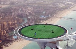EXTREME! tennis court in Dubai