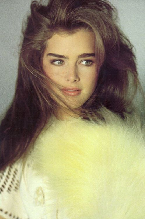 Brooke Shields  She was my first crush in the 80's, i thought she was the peak of Beauty!