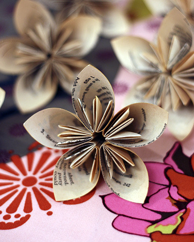 via whipup.net  kusudama flowers from old book pages!