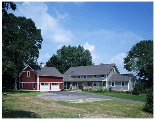 This is a garage built to mimic a barn (Yankee Barn Homes via Flickr)