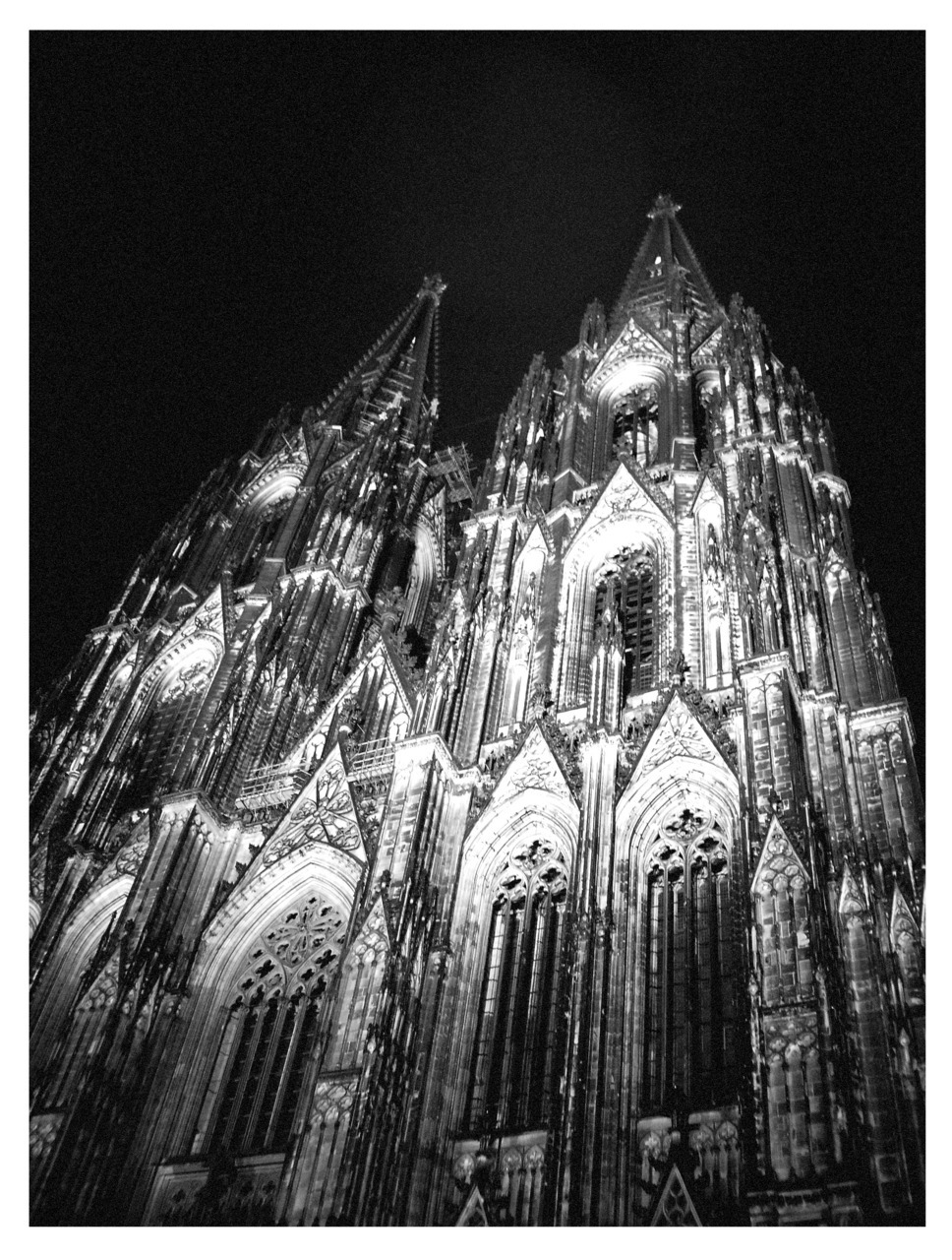 Submitted by tabatashou:  I took this pic about a year ago in Cologne. Obviously, it's the Cologne cathedral. (Click through link is to the picture on my flickr account.)  Cologne Cathedral, Germany (1248-1880) Thank you for the submission, this is beautiful photography :)