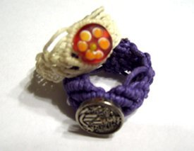 eight-arms:  macrame rings!  and other jewelry…