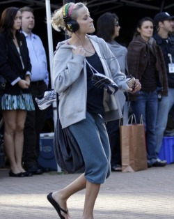 Skullcandy Hesh headphones // Reese Witherspoon