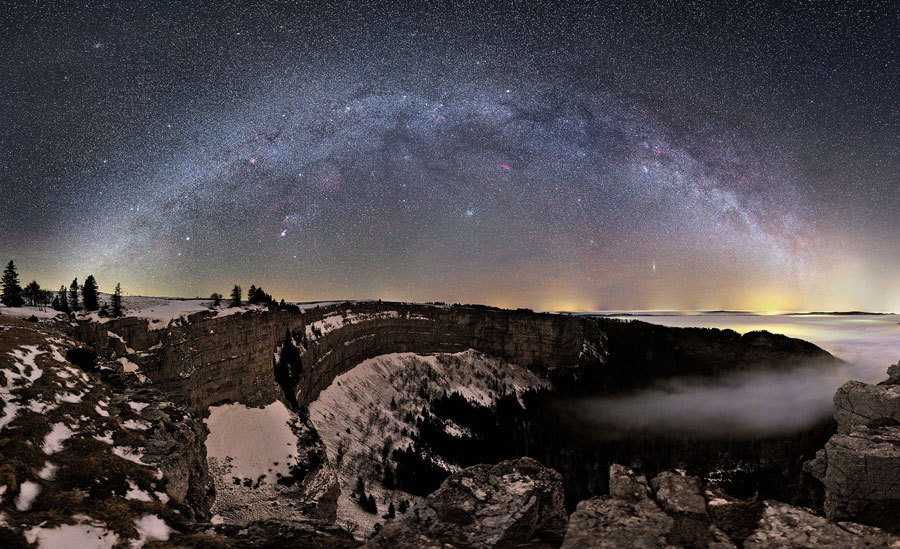uraniaproject:  APOD: 2011 February 21 - Milky Way Over Switzerland