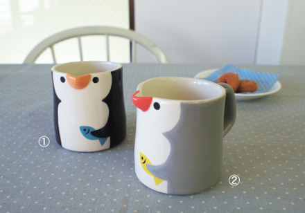 cute penguin mugs! check out the rest of the awesome mugs on the website of japanesegiftmarket ^^ so cool