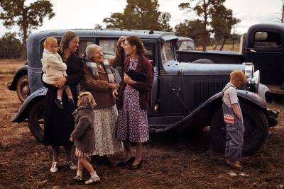 farmhouseandchickens:  At the Pie Town Fair, Sept. 1940. Kodachrome by Russell Lee