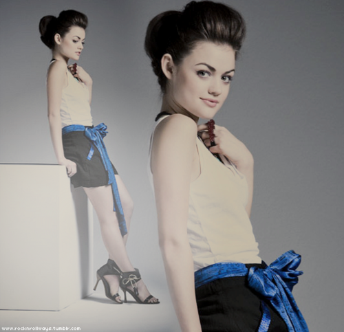 Lucy Hale / 5'2 / approx. 108lbs / 19.8BMI / Normal Weight