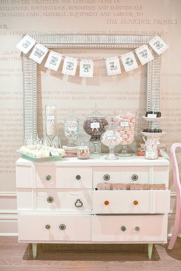 Adorable candy bar via Style Me Pretty