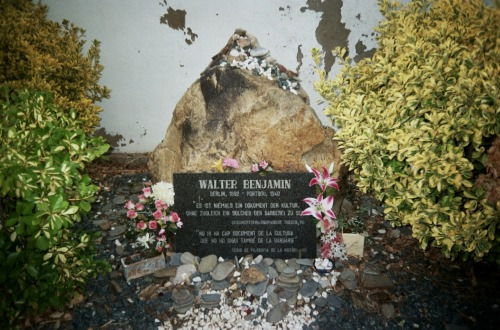 Walter Benjamin's Grave via pedroandsimon. Andrea (pedroandsimon) is doing a photo project on graves. She kindly sent me a few copies of her photos of Benjamin's Grave in Portbou, Spain, where the philosopher unfortunately committed suicide in 1940. Andrea also gave me some advice on where to go when I take my own pilgrimage to Portbou this summer. Thanks Andrea!