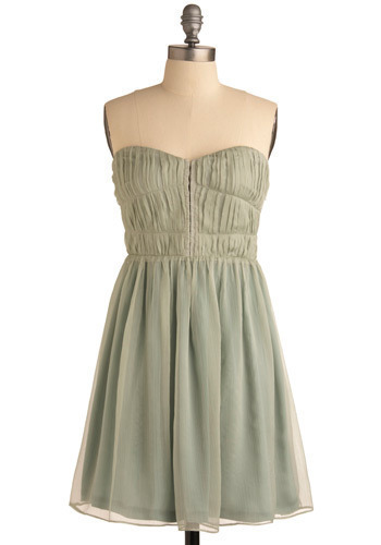 Top 10 ModCloth Bridesmaid Dresses Under $100 for Spring/Summer 2011 Short, Casual, and Inexpensive Bridesmaid Dresses from ModCloth's 2011 Selection for a Spring or Summer Wedding by me xoxoxo