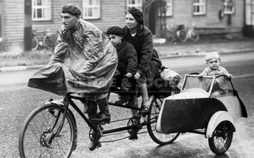 British family setting off on a cycling holiday, 1942