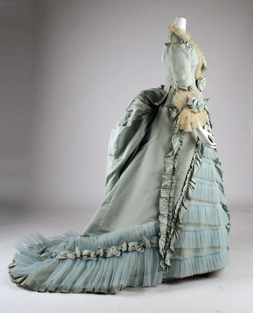 defunctfashion:  Dinner Dress | c. 1872 the pleating…oh the pleating! The Costume Institute