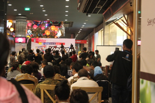 23 Februari 2011 Launching VIERRA. Tapi ini pas meet and greet nya :)