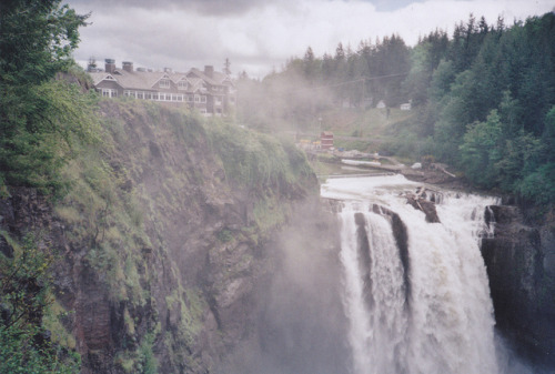 inquieti:  Snoqualmie, film (by lucie777)
