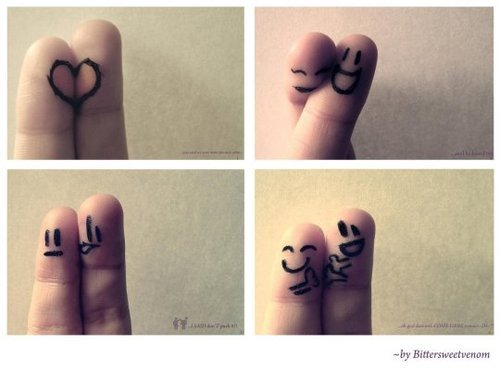 Finger buddies! C: Pwuahh, eesh so cute.