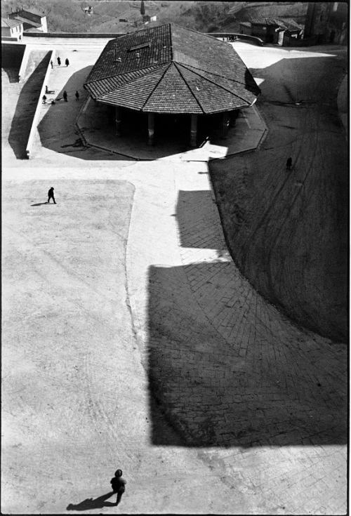 regardintemporel:   Henri Cartier-Bresson - Sienne, Italie, 1933