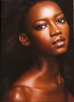 loving the dewy dark glowing skin and the amazing lips!!!!!