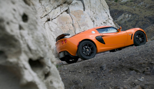 Lotus Exige - Track rats, your car is waiting. This high-performance 2-seater with composite bodywork and 150-lb. (!) chassis is powered by Toyota's 2ZZ-GE 1.8-liter 4-cylinder, which makes 190 bhp at 7800 rpm.
