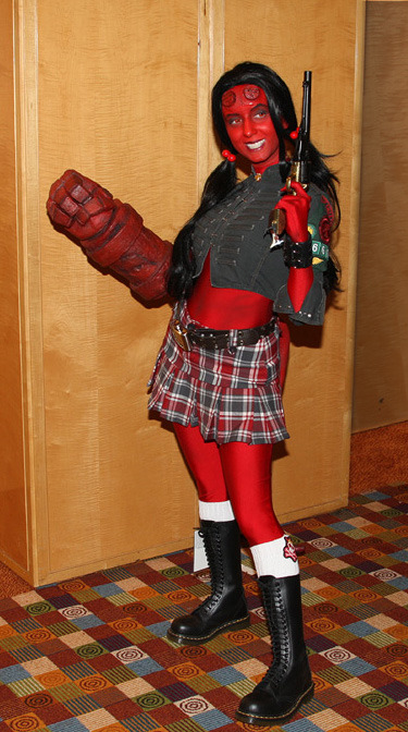 Hellgirl Cosplay at Dragon*Con 2007. Photo by LJinto. (Source)