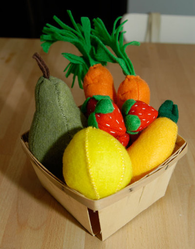 Tons of Free Felt Food Tutorials