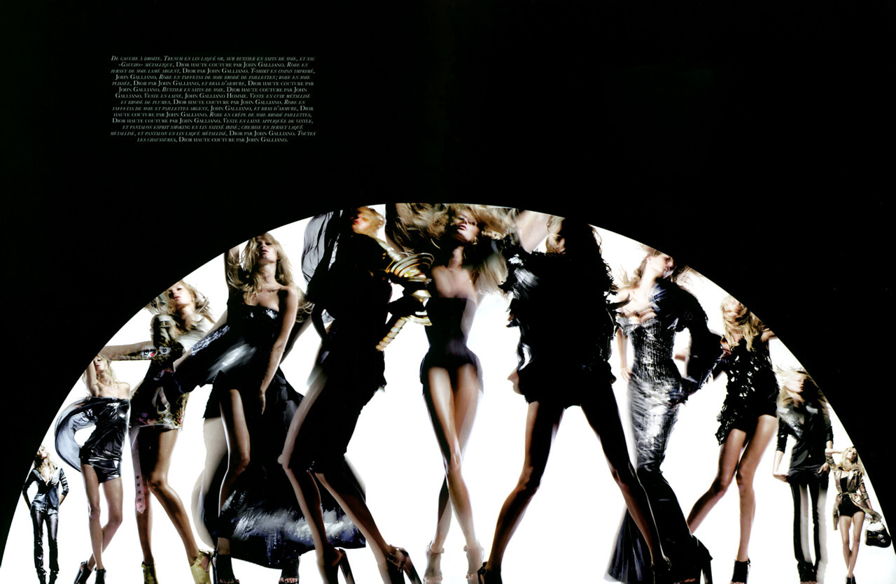 États de GrâceMagazine: Vogue Paris December/January 2006/2007Photographer: Nick KnightModels: Gisele Bundchen, John Galliano