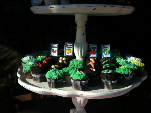gardeninginheels:  Cupcake Gardens [Flickr]