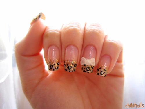 Leopard nails with 3D ribbons. I'm loving the ribbons that Katrina made for Jade and I :3  Skin Food Pedicure Sparkle in 30 Etude House LuciDarling gold glitter Etude House in WH706
