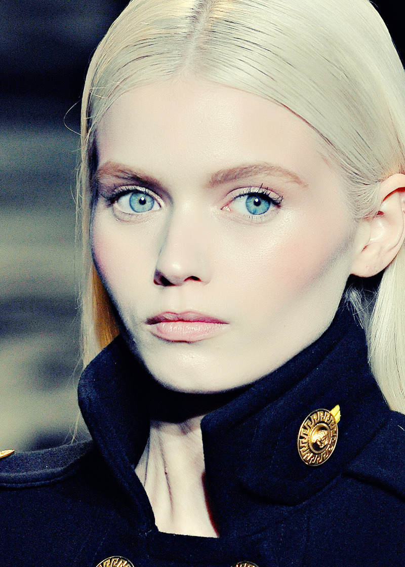 Abbey Lee Kershaw | Versace Fall/Winter 2011/2012 Ready To Wear | Milan