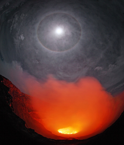 Full Moon Halo over Nyiragongo Lava Lake  Copyright: Martin Rietze
